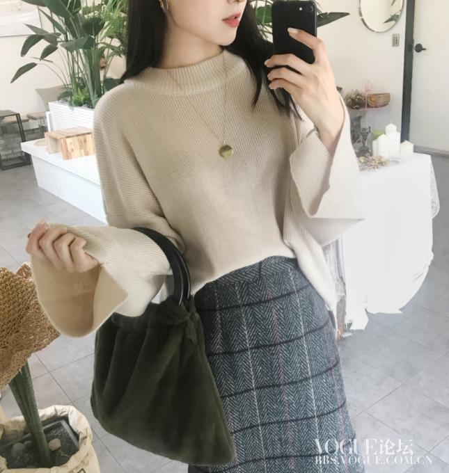 米色宽松毛衣2.png
