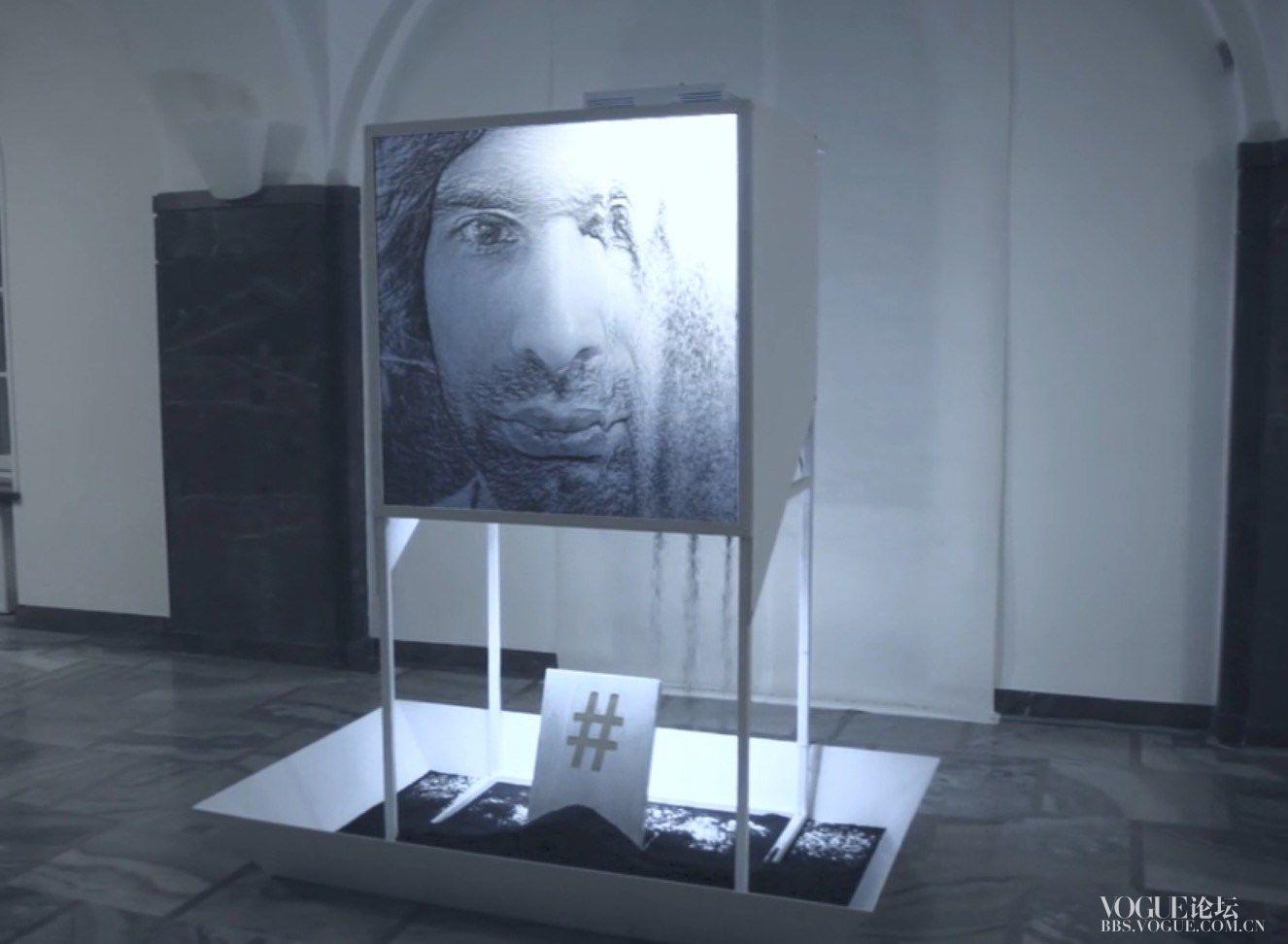 hash-2-ash-selfie-digital-installation-3.jpg