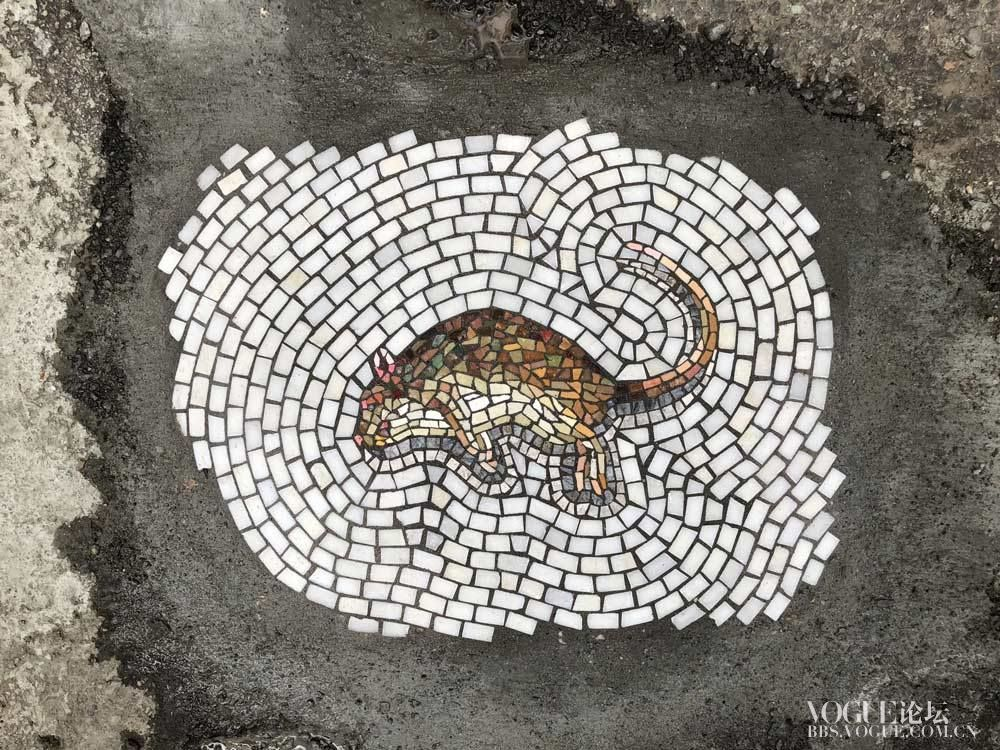jim-bachor-mosaic-street-art-potholes-series-3.jpg