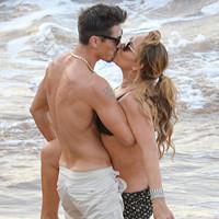 玛丽亚-凯莉与新男友吻出了新颖