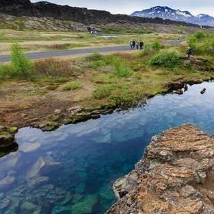 跨越冰岛黄金圈的不规则旅行指南