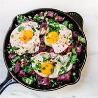 美好的一天由美味的鸡蛋餐开始