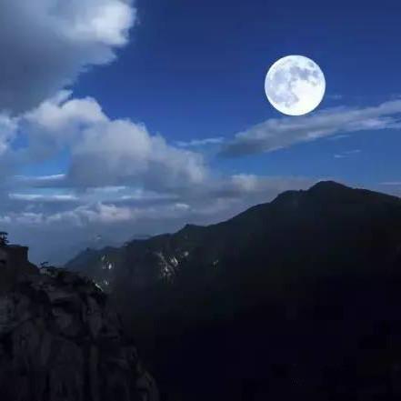 夜宿天堂寨主峰