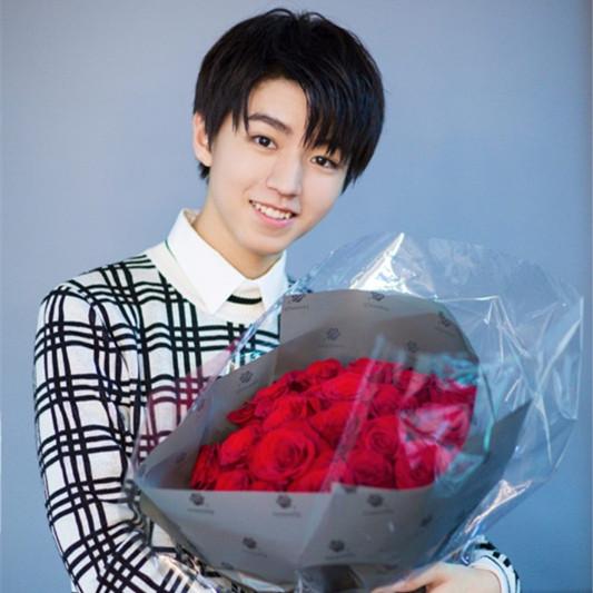王俊凯18岁生日