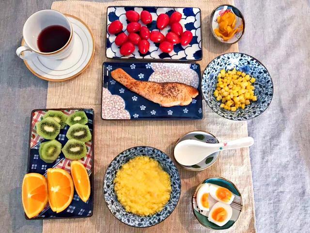 日本人的早餐是这样的,太丰盛!
